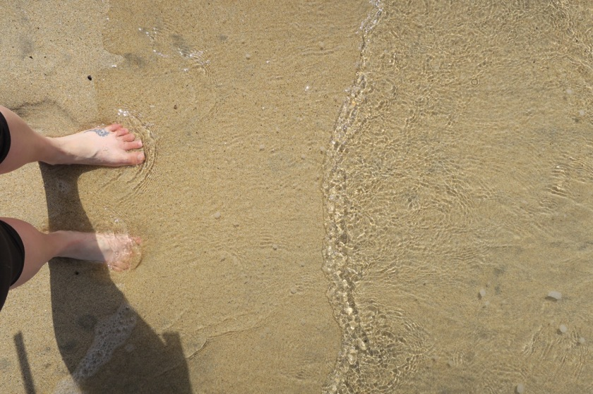 Bare feet in the sand and sea, aaah.